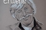 10 doigts, 2 guitares et le talent d'Erwens, à la rencontre de Jean Ferrat