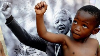 Nelson-Mandela-Football_8
