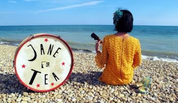 Jane for tea (photo DR prélevée à la page d'accueil de son site)