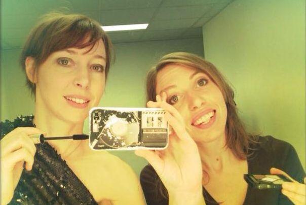 Les soeurs Jeanne et Liz Cherhal (autoportrait)