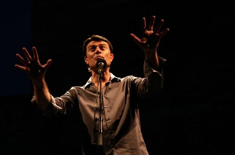 Laurent Berger, un de ces jeunes devenu un grand classique de la chanson, qui vient de définitivement asseoir sa réputation sur la grande scène de Barjac (photos Pierre Buro)