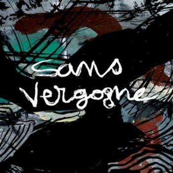 SANS VERGOGNE : L'ALBUM Cet album superbement illustré par Michel Vautier, préfacé et adoubé par Jean-Michel Boris, est un produit dangereux car favorisant l'addiction…pour notre plus grand bonheur. Les arrangements aux riches harmoniques, aux rythmes entêtants, voyagent aux accents des valses, variations orientalisantes,  reggaes, rocks, swings, javas, font des incursions chez Django, utilisent toutes les nuances des claviers, percussions, mélodica et de la guitare, n'hésitent pas à user de légères dissonances pour susciter des émotions, travaillent les introductions, les mi-temps et les conclusions. Loin de couvrir les textes, ils les font briller au contraire en les soutenant, les révélant dans des atmosphères évocatrices. Fidèles à Brassens, ils lui insufflent une vitalité heureuse. Ne tentez pas de résister, vous ne pourrez pas rester immobiles ! De Cupidon à La non demande en mariage, quatorze titres dont trois instrumentaux, A l'ombre du cœur de ma mie, Le vieux Léon et Pénélope, font le tour du répertoire équilibré de ce spectacle. On n'y trouve pas Le mauvais sujet repenti, ni Le vin, ni Quand les cons sont braves, mais un Bonhomme déchirant, où les dissonances et le rythme en battement de cœur traduisent la tragédie commune de la fin d'un vieil amour. Les amoureux y sont frais et aimables, les croquants et les cons sont méprisables, les femmes coquines et les vieux émouvants. On en redemande ! Les disques brûlants 2015, En vente à la sortie de leurs concerts ou par correspondance sur leur site.
