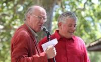 Jacques Bertin et Christian Camerlynck lors de la remise du Prix Jacques-Douai à Barjac (photo Catherine Cour)