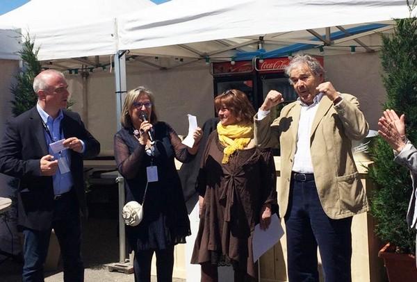 Lors de l'inaugutation de la trentième édition à Castelsarrasin, avec entre autres la présidente Dominique Janin et Pierre Perret (photo DR)