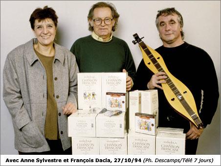 """Anne Sylvestre, François Dacla et Marc Robine lors de la sortie de l'""""Anthologie de la chanson française : la tradition"""" Document Chorus"""