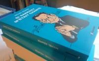 LES PRÉSIDENTS DE LA CINQUIÈME ET LA CHANSON De Charles de Gaulle à François Hollande, les présidents de la Cinquième République rejoints par la chanson. Ferré et Bécaud avec le Général, Le Président et l'éléphant, les chansons admiratrices et ambigües sur François Mitterand, Le bruit et l'odeurs de Chirac... Et l'omniprésence de Nicolas Sarkozy dans la chanson, du jamais entendu depuis Mazarin! Un livre hors-commerce signé Michel Kemper: une anthologie en temps réel de la chanson politique d'aujourd'hui, une grande page d'histoire contemporaine. 304 pages, plus de 200 artistes pour près de 300 chansons. Livre à commander à Michel Kemper, 11a rue Président-Allende 42240 Unieux. 25 euros port inclus.