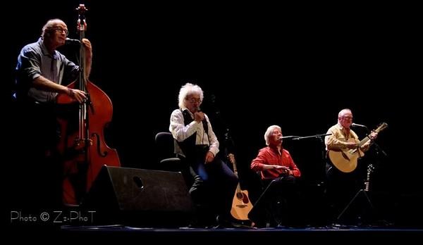 Bernard Baudriller, Jean-Louis Jossic, Jean-Paul Corbineau, Jean Chocun : pour une soirée unique, le Tri Yann d'anthologie ! (photos zzphot.com)