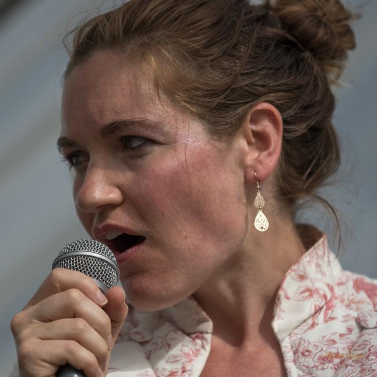 Liz Van Deuq (photos Marie Olivier)