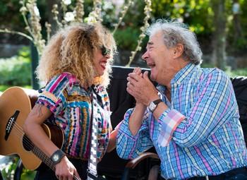 Avec Flavia Coelho