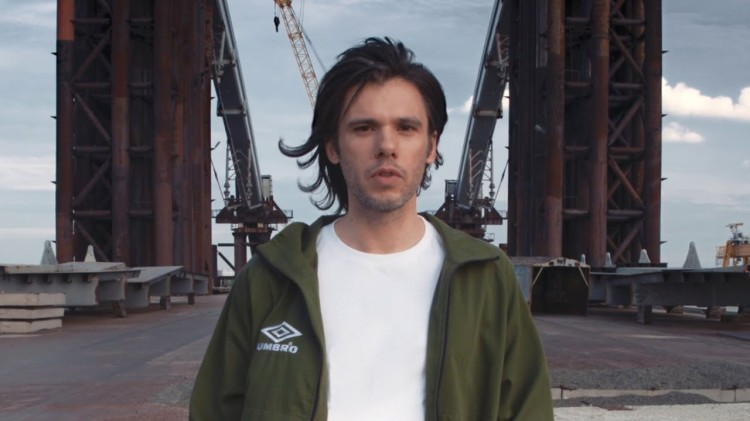"""Orelsan, capture d'écran de son clip """"Basique"""""""