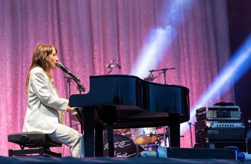 Juliette Armanet à Namur. Photo Soline de Groeve