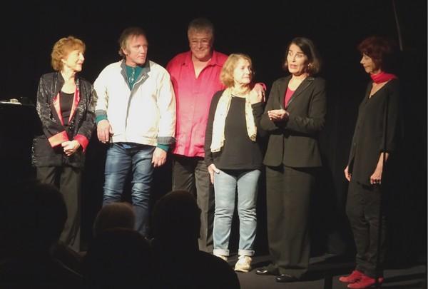 De gauche à droite : Marie-Thérèse Orain, Arnaud Rudel (le fils de Jacques Debronckart et Janet Rudel), Christian Camerlynck, Janet Rudel, Clémentine Jouffroy et Annick Roux (photo François Bellart)