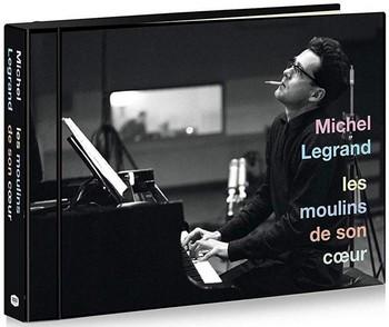 """Signalons aussi ce coffret 15 CD, chez Universal, Michel Legrand, """"Anthology"""", composé de 300 titres, 17 heures de musique, inclus livret 72 pages, photos rares et inédites."""