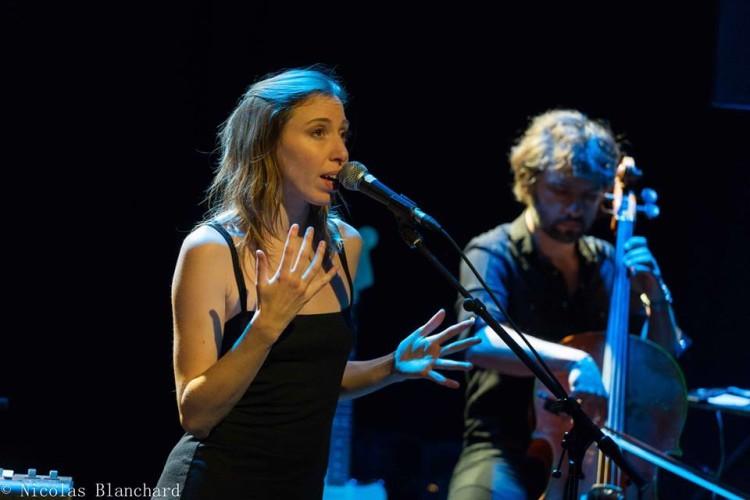Louise Cherhal en duo à la MJC de Venelles. Photos ©Nicolas Blanchard