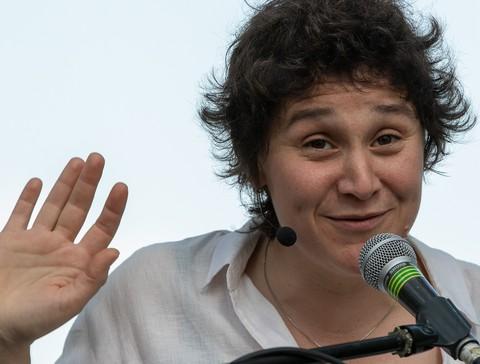 Marion Cousineau sur la scène de Pourchères (photo Marie Olivier)