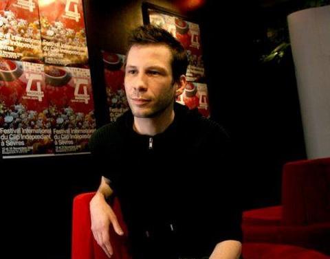 Alex Beaupain (capture d'écran © Protoclip 2008)