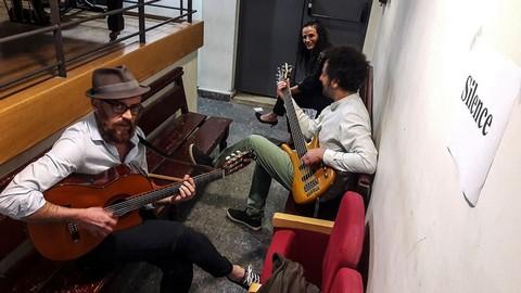 """Les P'tites Ouvreuses (formule """"trio"""") - photo non créditée extraite de leur page facebook"""