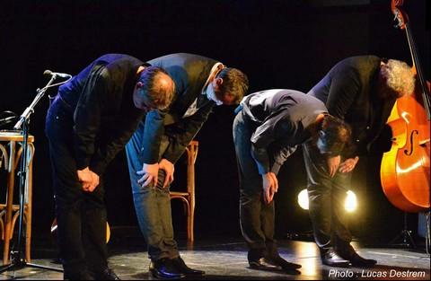 Entre 2 Caisses offre à Stavelot l'exclusivité pour la Belgique de leur tournée d'adieux.