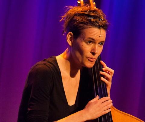 Pauline Dupuy : Contrebrassens (photo Vincent Capraro)
