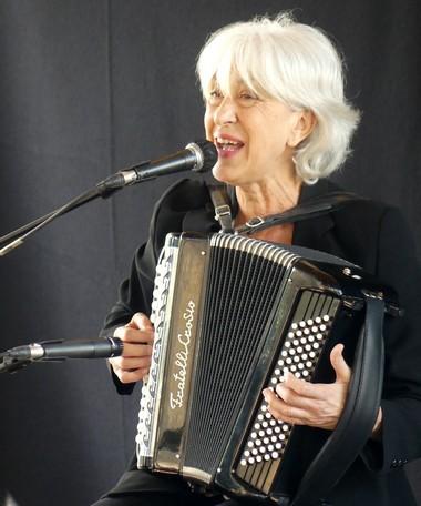 Céline Caussimon (photo Anne-Marie Panigada)
