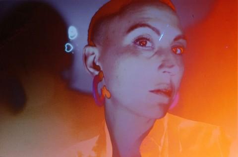 Ottilie [B] (photo Crédit Ph Auto- Ottilie Bé pour le doux duo matière : écran -pellicule et les regards avisés de Sarah Seené + Guillaume Vallée)