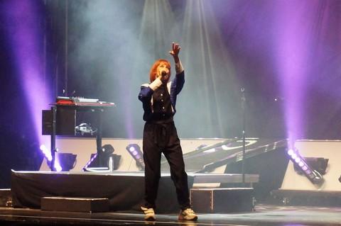 Suzane sur la scène de Namur (photos Annick Delperdange)
